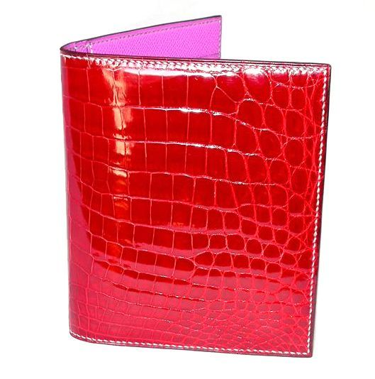Portefeuille femme en alligator brillant rouge et cousu blanc