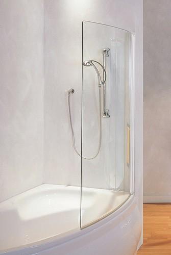 pare baignoire bahia en chemere dans les magasins en ligne aquaproduction soci t acheter. Black Bedroom Furniture Sets. Home Design Ideas