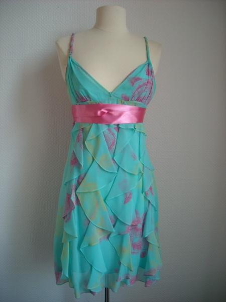 Robe turquoise et rose BCBG Maxazria