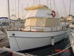 Toiles et accessoires pour les canots et yachts