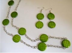 Parure sur chaîne, nacre verte