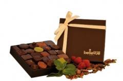 Bombons de chocolate em caixa