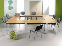 Tables modulaires polyvalentes