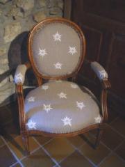 Un kit tapissier pour restaurer fauteuil, chaise