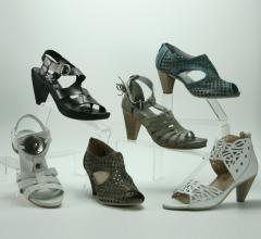 Open-toe sandals for women