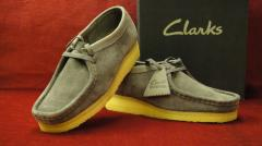 Chaussures Clarks Wallabees daim gris