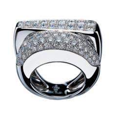 Bague Success moyen modèle en or gris pavée de diamants