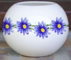 Vase boule en trés fine porcelaine