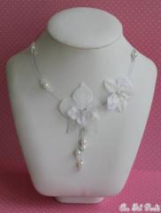 Collier mariée orchidée et accessoires mariage dentelle