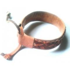 Bracelet en cuir tressé - Artisanat de Madagascar