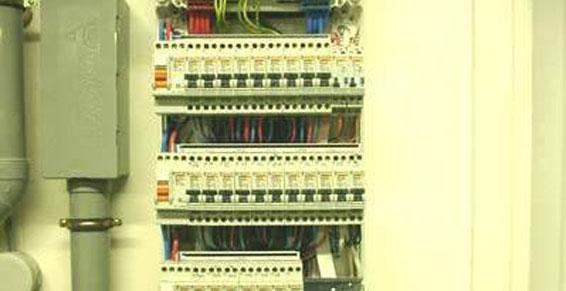 Commande Réalisations d'installations électriques