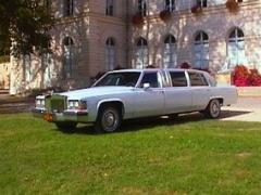 Cadillac Deville limousine blanc-crème